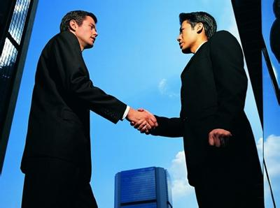 商务接待礼仪时握手时的禁忌