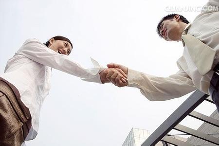 商务接待礼仪之握手礼仪