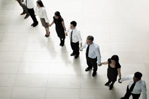 企业培训的转型和发展要依靠什么