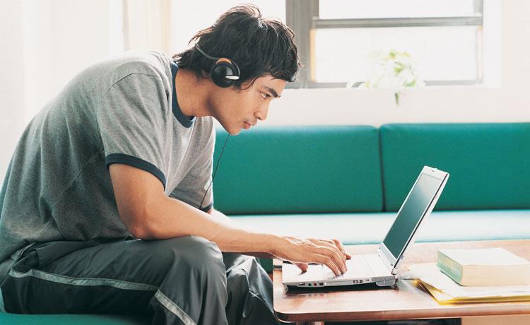 码农也有春天:15岁开始写代码 18岁时资产达数百万美元的程序员励志故事
