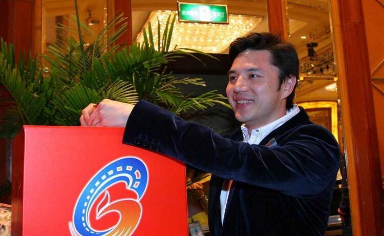 赵普辞职后做公益,为安徽学生免费送午餐