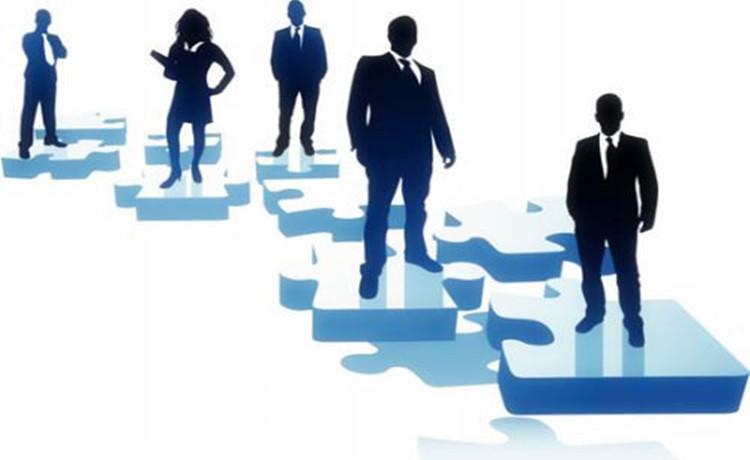 对于企业来说,管理员工成为了一个重要的课题。员工管理不好,企业面临人员流失,项目就要流失。然而,如何管理好员工,留得住员工,让员工与企业一起成长,为了一个共同的信念,成就一段美好人生?  1,首先,管理者需要有一个认识就是:尊重员工 员工选择来到这个企业,说明当初他对企业是比较认可的,愿意为企业的发展贡献自己的力量,同时,希望自己的付出获得相应的回报。作为管理者,在工作上与员工交流的时候应该是一种尊重的态度,虽然职位上有上下级的区分,但至少在精神上是平等的。 如今,在职场上80,90后已经逐渐成为主力,他